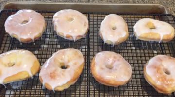 Die schmackhaftesten Donuts machen Sie einfach lecker selbst! Schnell und einfach im Airfryer!