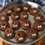 Backen Sie zusammen mit den Kindern diese lustige Kacki-Kekse im Airfryer.
